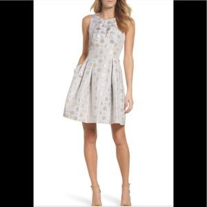 Vince Camuto Dresses - Vince Camuto Jacquard fit and flare dress